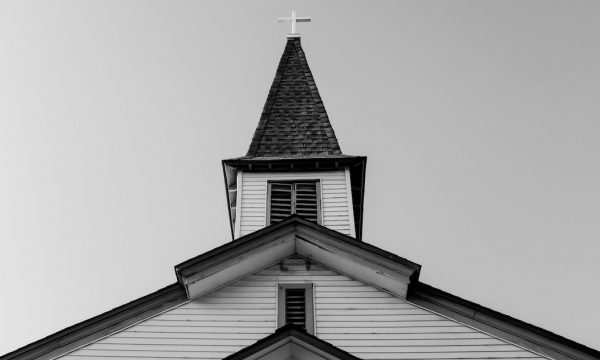 WHY SMALLER CHURCHES ARE MAKING A COMEBACK